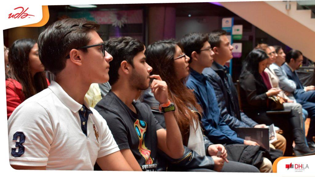Estudiantes de la UDLA en Quito inician sus estudios para la modalidad dual de la licenciatura en Administración de Empresas.